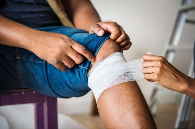 durere la nivelul genunchiului și cald artroza de grad bilateral a genunchiului 1 grad