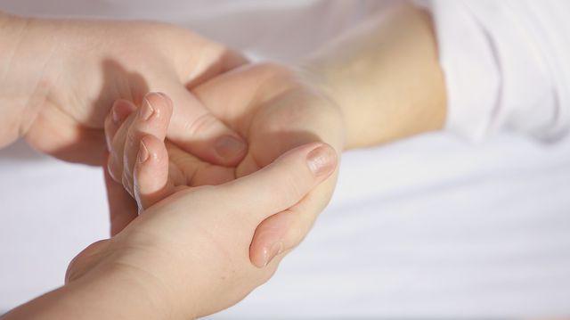cum să tratezi durerea articulară de degetul mare care este boala articulațiilor degetelor