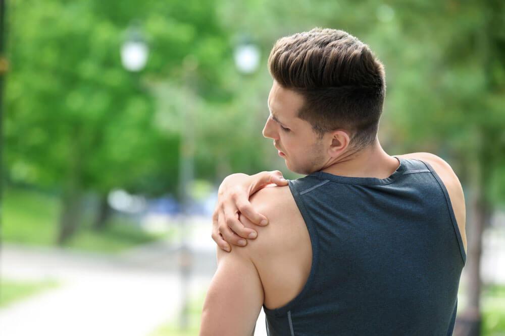 articulațiile brațelor în umeri doare ruperea ligamentului simptomelor articulației umărului și tratamentul