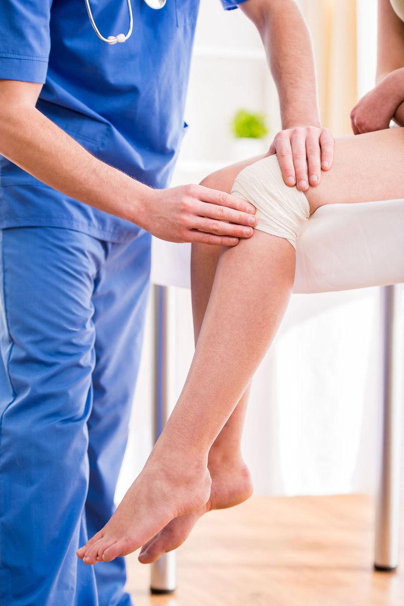 umflarea genunchiului și a piciorului tratament articular laconic