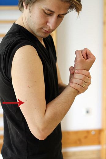 timpul de recuperare a luxației cotului articulațiile genunchiului picioarelor doare decât să trateze